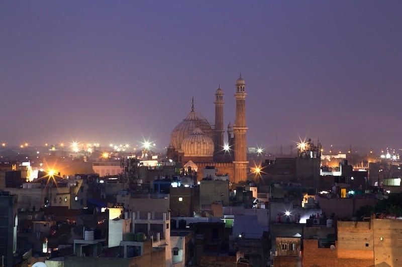 Delhi at night on a Delhi virtual tour