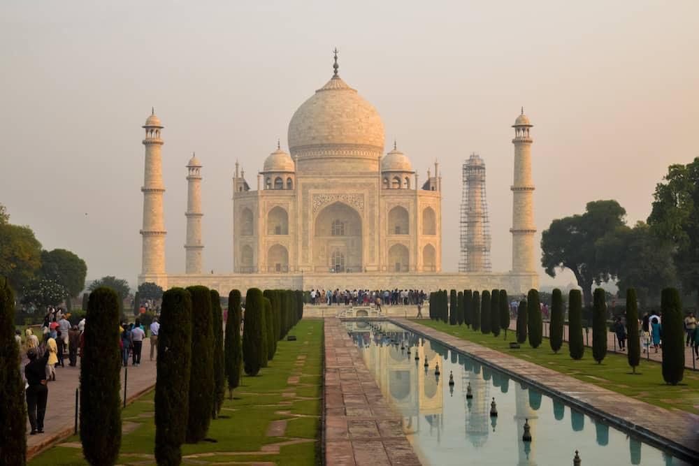 Visit the Taj Mahal virtual tour