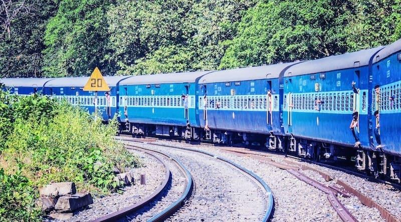 Train from Mumbai to Jaipur