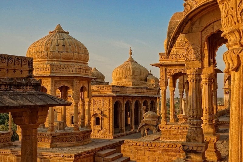 india travel blog - what to expect for your first trip to India